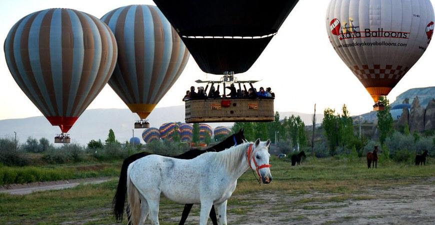 Cappadocia Kaya Balloons Deluxe Balloon Flight
